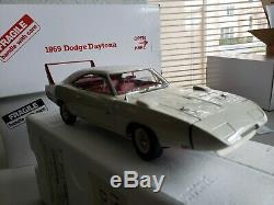 Danbury Mint 1969 Dodge Daytona HEMI 124 COLLECTOR'S CONDITION NIB-N PAPERWORK