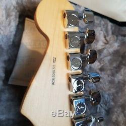 Fender 2018 Limited Edition Strat-Tele Hybrid 2-Color Sunburst in mint condition