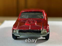 Hot Wheels Redline 1968 Custom Mustang US Great Condition in protector