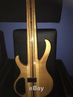 IBANEZ BTB7 limited edition 7 strings Bass in new condition With black Hard Case