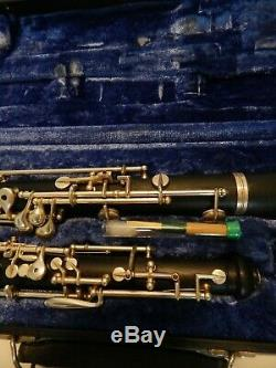 Lintone Elkhart LTD Oboe Plastic Case Very Clean Condition with Case