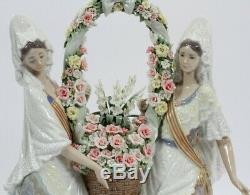 Lladro 1490 FLORAL OFFERING Glased Elite Limited Edition Perfect Condition
