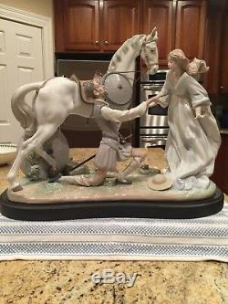 Lladro 1776 Conquered By Love Ltd Edition with Wooden Base Mint Condition