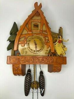 RARE Disney Snow White Wooden Cuckoo Clock Limited Edition MINT CONDITION