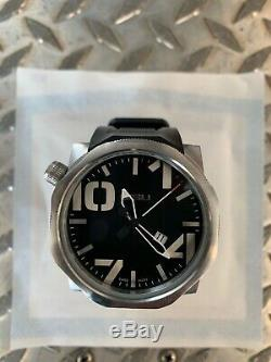 SISU Bravado Watch BQ350-0153 Swiss MVMT-Silver & Black-Excellent Condition