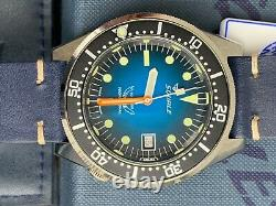 SQUALE 1521 Special Edition Soleil Blue. Unworn, mint condition with box