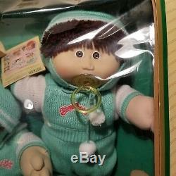 Vintage CABBAGE PATCH Limited Edition Twins with Box Exc. Condition