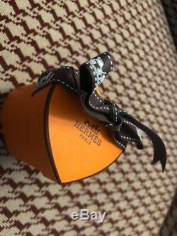 100% Authentique Hermes Édition Limitée De Coeur De Valentine Twilly Avec Coeur Box