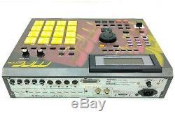 Akai Mpc 2000 XL Edition Limitée Drum Machine Se-1 En Excellent État