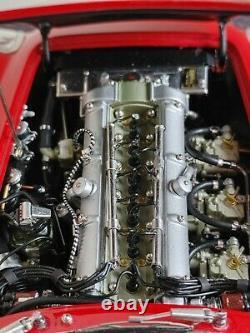 CMC 1/18 Échelle Aston Martin Db4 Gt Zagato, Diecast, Red, Rare Beautiful Condition