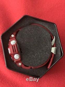 Casio Gshock Rangeman Rouge Gw-9400-rd4 (new Mint Condition)