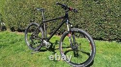 Cube Ltd Race Mountain Bike Superbe Condition Utilisation Très Légère