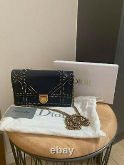 Dior Petit Sac Diorama En Cuir Marine Avec Goujons D'or Antique, Nouveau État