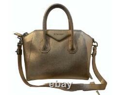 Givenchy Antigona Bag Medium Immaculate Condition, Édition Limitée