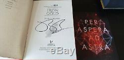 Insurrection Red Pierce Brown Série Complète Signe First Editions Condition Fine