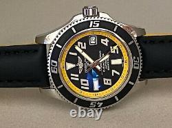Montre Noire Superocean Breitling Avec Cuir A17364 En État De Menthe