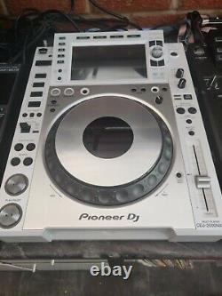 Pioneer 2 X Cdj-2000 Nxs2 Blanc Édition Limitée État De La Menthe