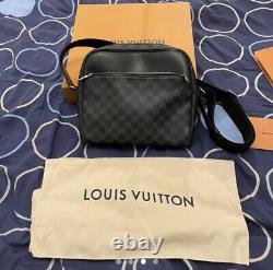 Sac De Reporter Louis Vuitton Pm, Imprimé Noir/graphite Damier. État Immaculé