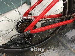 Vélo Carrera Axle Ltd Edition. Cadre De 18''. 23en Roues. Très Bon État