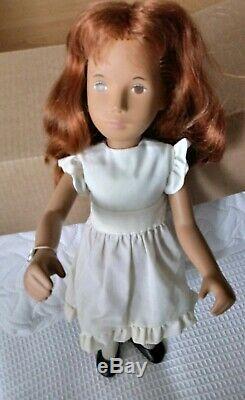 Vintage 108 Sasha Redhead Robe Blanche Trendon Ltd Poupée. Condition Ex Pour Age